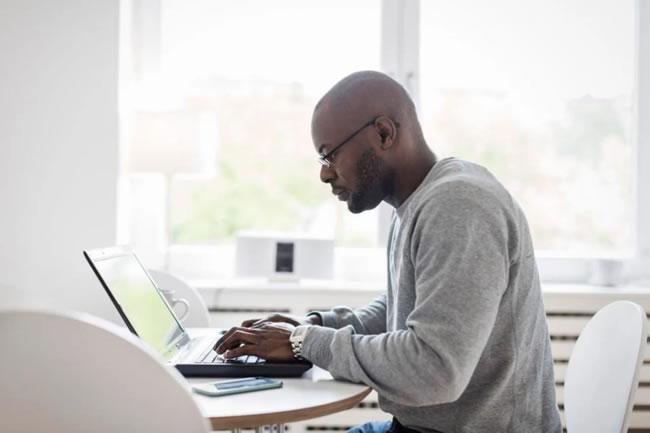 5 práticas para reduzir o estresse dos funcionários durante o home office